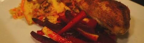 Kylling, rødder og grov salat